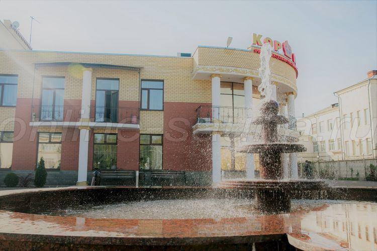 Корона, ресторанно-гостиничный комплекс